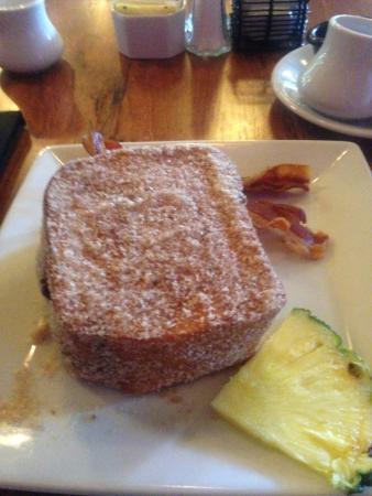 Kona Cafe : the famous Tonga Toast