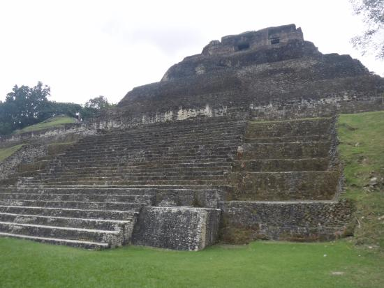 Cayo, Belize: Main structure