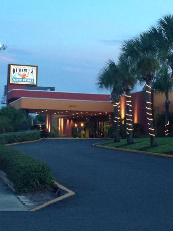 Coco Key Hotel and Water Park Resort: photo1.jpg