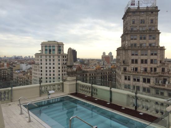 Hotel Avenida Palace: Полноценные завтраки; крутейшая крыша (летом).