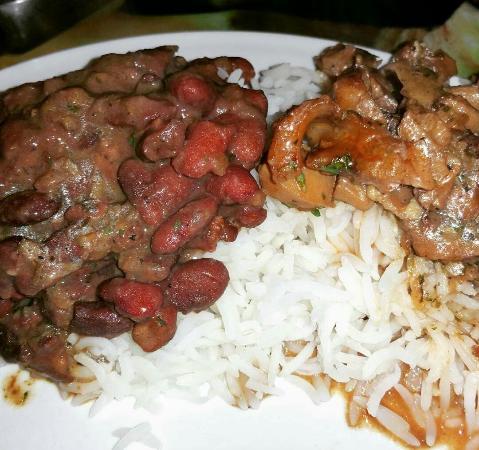Issy-les-Moulineaux, Francia: Voyage  culinaire  vers les Antilles  Trop bon!!  L accueil est tip top!