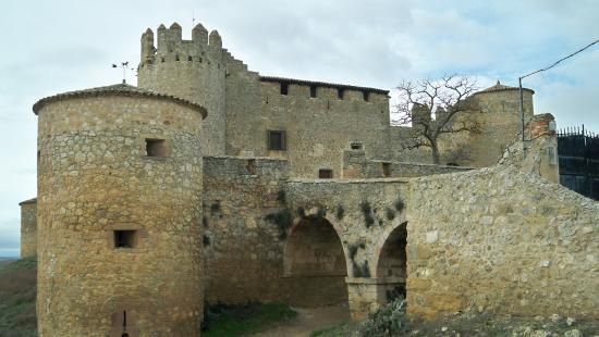 Almenar de Soria, Ισπανία: El maltratado castillo