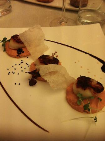 Falaise, Frankrike: Noix de St jacques - Menu les saveurs