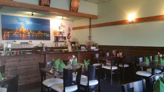 Whoopi Thai Restaurant Fairfield Ct