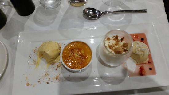 Dubbo, Australia: Tasting plate of three desserts.