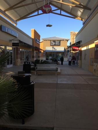 Jul 08,  · Houston Premium Outlets: outlet mall - See traveler reviews, 34 candid photos, and great deals for Cypress, TX, at TripAdvisor.4/4.
