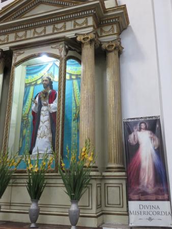 Ayuntamiento : Autel à l'intérieur de l'église