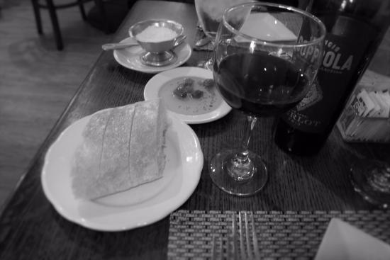 Ewing, Nueva Jersey: Bread and wine