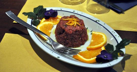 Sarteano, إيطاليا: tartara di chianina