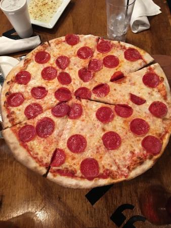 La Famiglia Pizzeria Romana
