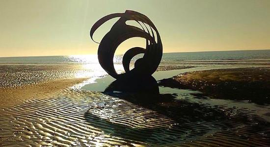 Thornton Cleveleys, UK: Shell sculpture on Cleveleys beach