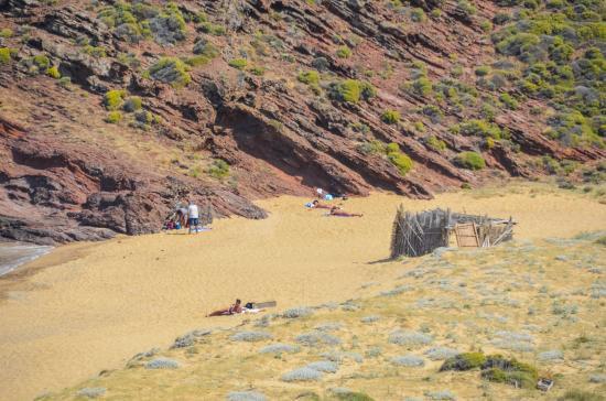 Agios Sostis Beach: Muy tranquila y de dificil acceso.