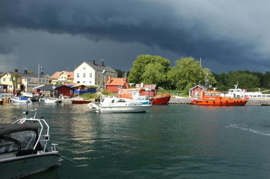 Sandhamn, Suecia: Gewitter über dem Hafen