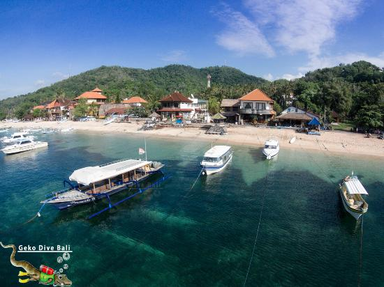 Padangbai, Indonesia: Aerial view of Geko Dive with boats in front