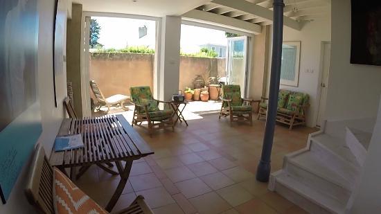 Robe, Australia: Family Room and Courtyard
