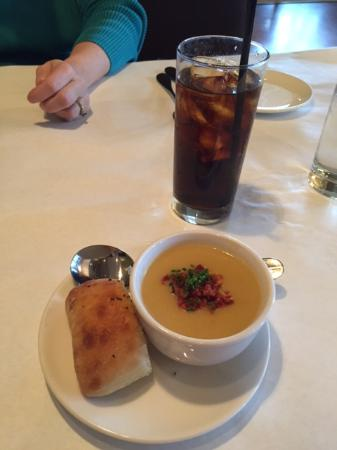‪‪Brookfield‬, ‪Wisconsin‬: North Star Bistro Potato Leek Soup and Roll‬