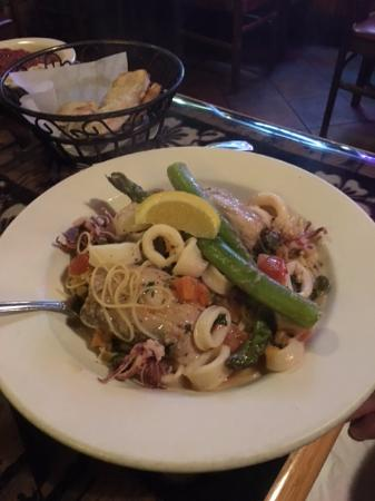 Jay's Gourmet Pizza & Seafood: Mahi mahi with calamari and asparagus over angel hair pasta