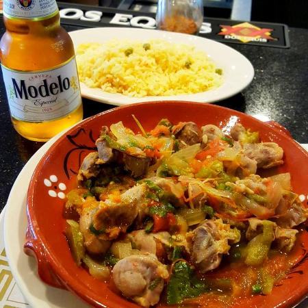 Farmingville, estado de Nueva York: Chicken gizzards in hot sauce