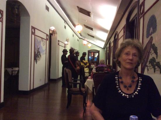 Queen's Hotel: Dining in the Chinese restaurant