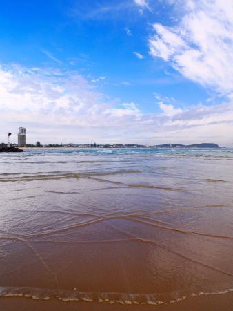Gold Coast, Australia: 遠浅で子供でも良さそう