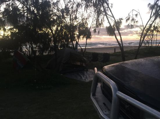 Hervey Bay, Australia: Sunset at Campsite - Fraser island