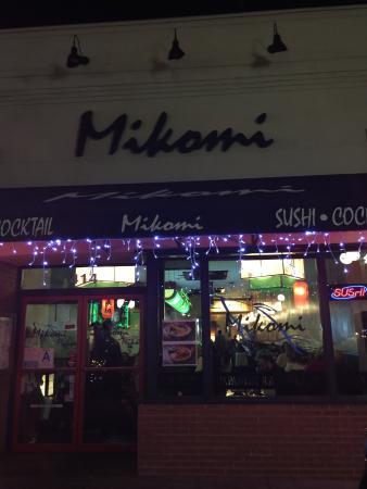 Monrovia, CA: Mikomi Sushi