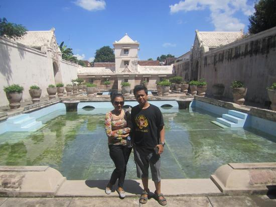 istana air taman sari picture of water castle tamansari rh tripadvisor com