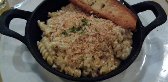 Woodbury, MN: Lobster Mac n' Cheese