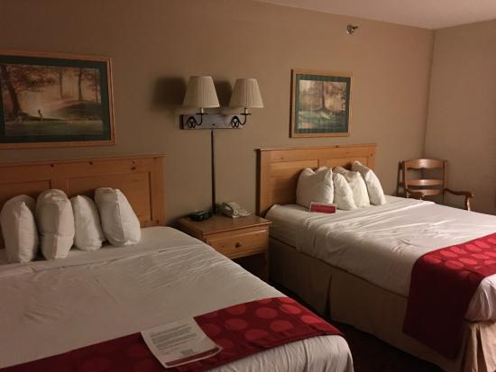 Ramada by Wyndham Summerset Rapid City West: 2 Queen room