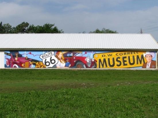 Catoosa, OK: D.W. Correll Museum