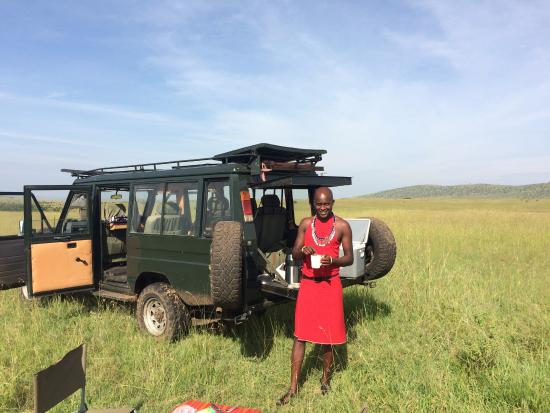 Sekenani Camp: Picknick breakfast with Simon our guide during a game drive in the park