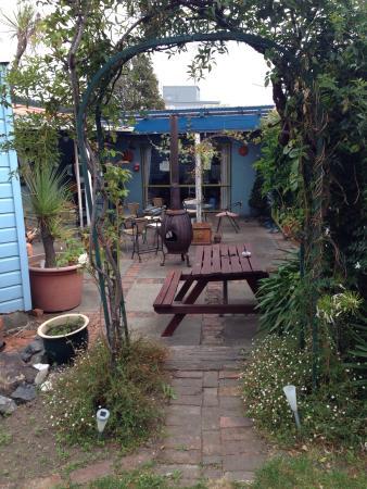 The Villa Backpackers Lodge: photo1.jpg
