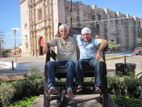 Larry & Fidel