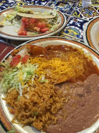Rosa's Cafe and Tortilla Factory
