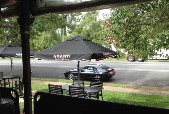 Esk, Austrália: Lovely outlook from the verandah.