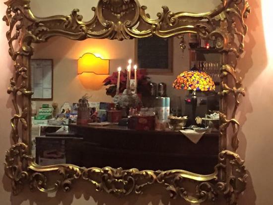 Cison Di Valmarino, Italie : Caffe Roma