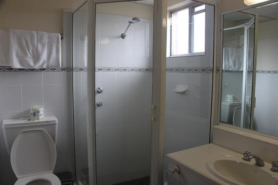 Orange, Australia: Very clean and well appointed bathroom