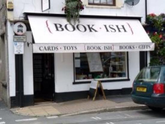 Crickhowell, UK: Book-ish