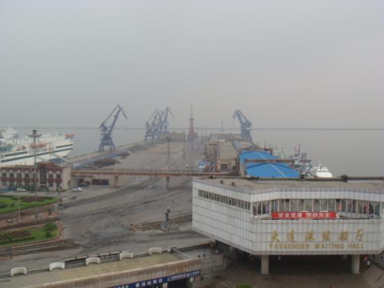 Dalian Port : 歴史的な運輸の舞台になっていた事が、偲ばれる。