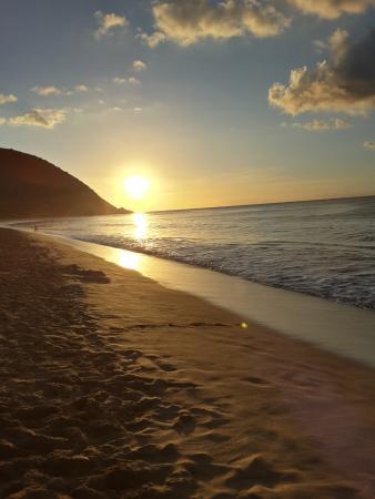 BREIZHILIENNE BAR A JUS : Coucher de soleil à Grande Anse