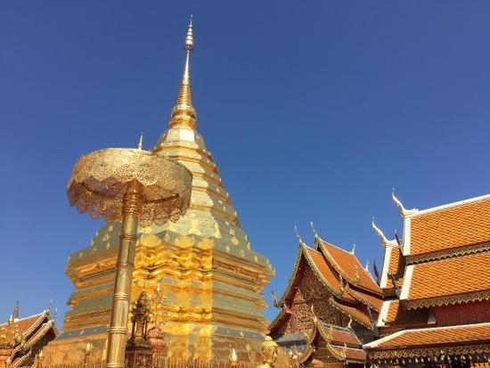Wat Phra That Doi Kham - Picture of Wat Phra That Doi Kham ...