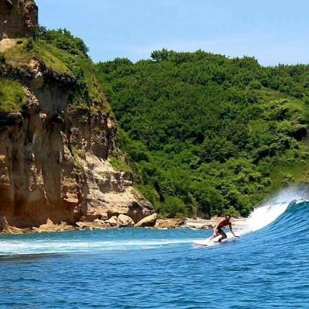 Desa Sekotong Barat, Endonezya: Ekas bay, 20 minutes drive from/to Pink beach