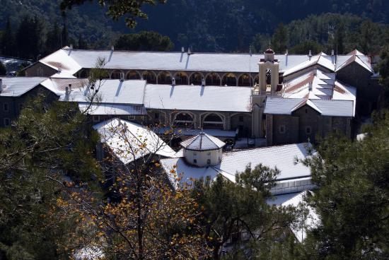 Troodos, Kypros: Il monastero dall'alto
