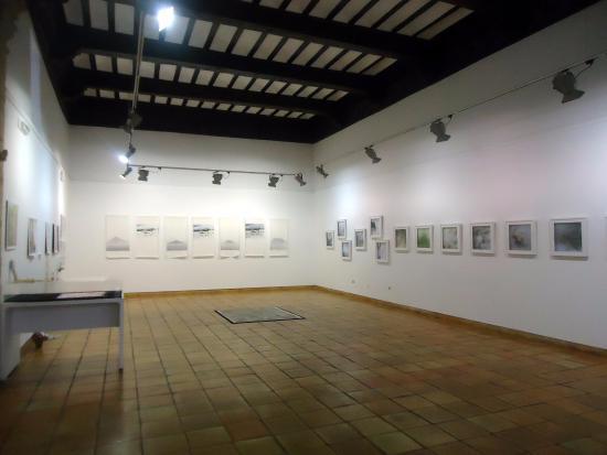 """San Clemente, Spagna: vista de la sala de exposiciones con """"Extractio"""""""