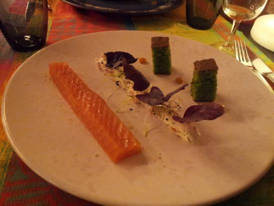 La Bresse, Fransa: Filet de saumon fumé maison (à savourer avec sa garniture)