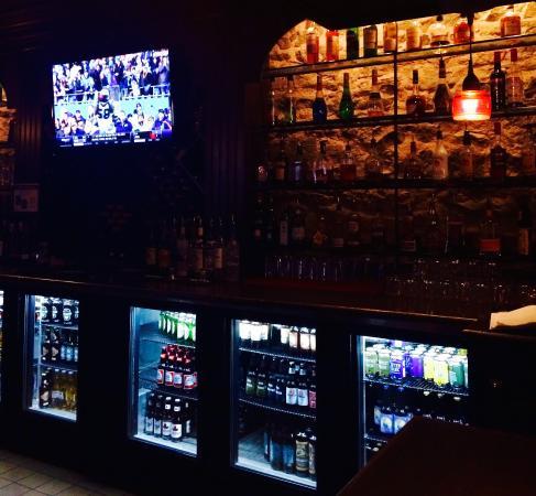 Nelson, كندا: Välsorterad bar med trevlig personal