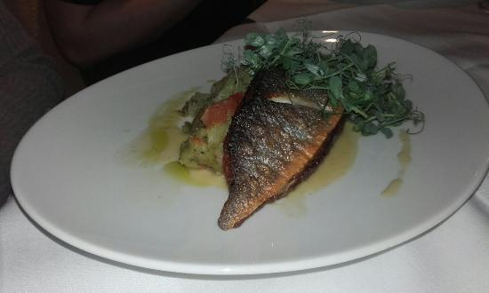 River Bank @ the Court Yard Hotel: Lovely sea bass and chicken at the River Bank Leixlip