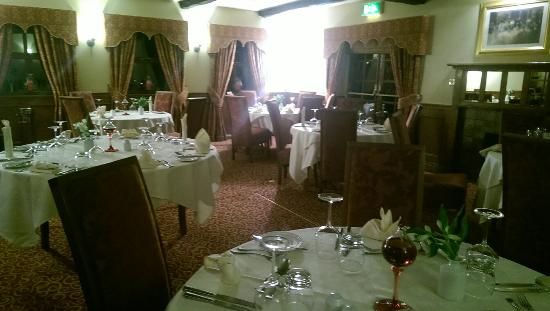 Markham Moor Inn: Beautiful restaurant which is spacious so you don't feel crowded even with a larger party