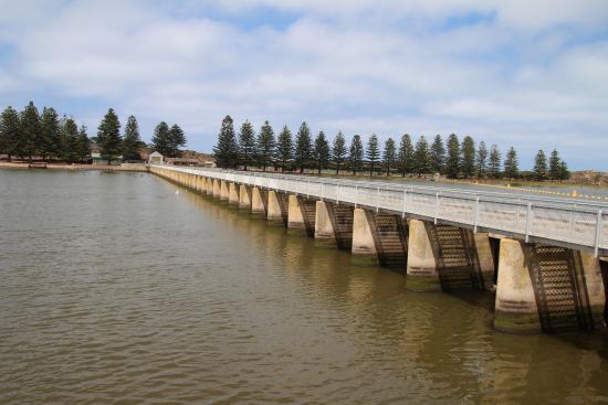 Goolwa, Αυστραλία: The barrage