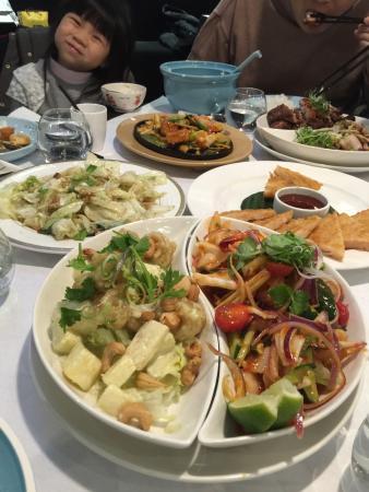 晶湯匙泰式主題餐廳 台北京站店